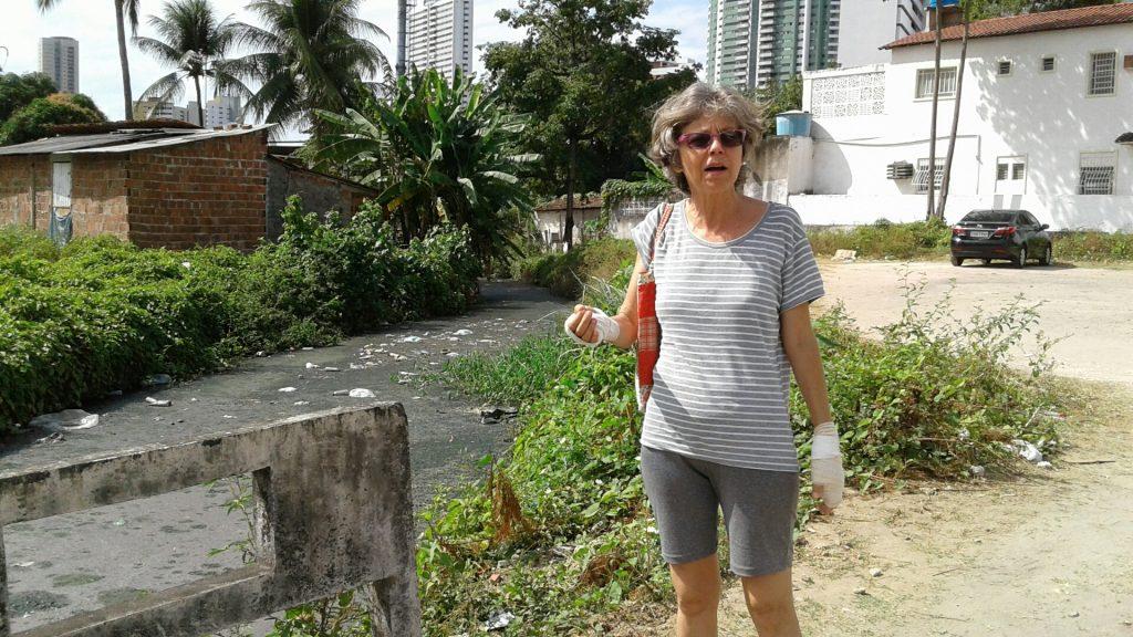 Moradora do bairro de Casa Forte lembra quando o Canal Parnamirim era um riacho cheio de peixinhos.